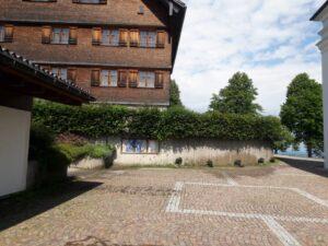 Read more about the article …und siehe da…der Barfußweg wurde abgebaut.