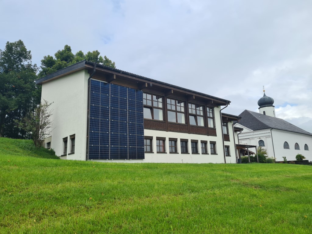 You are currently viewing Pfarre investiert in neue Photovoltaikanlage